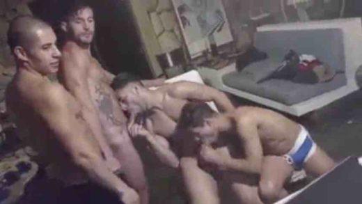 Gays malhados na suruba metendo para a webcam